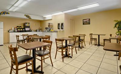 travelodge suites east gate orange hotels in florida. Black Bedroom Furniture Sets. Home Design Ideas